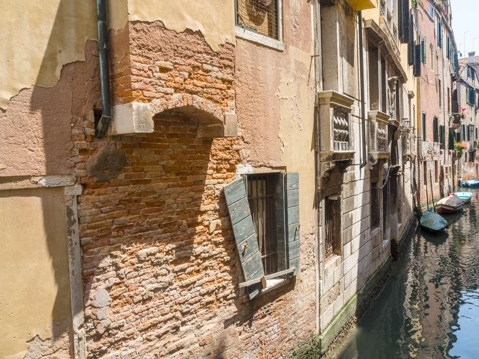 Decay in Venice